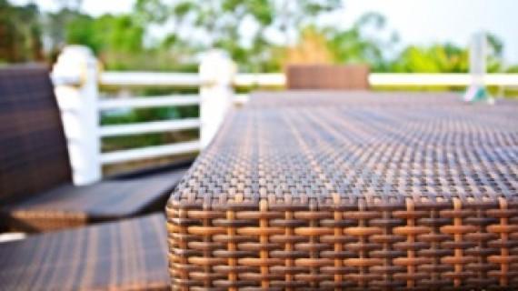 רהיטי במבוק ורהיטי קש